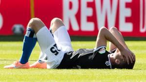 Hamburgs Timo Letschert dürfte es so gehen, wie vielen Anhängern des Klubs: Er kann es schlicht nicht fassen