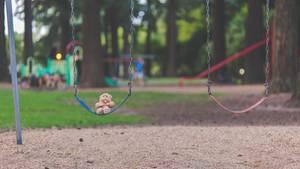 Der Horror jeder Eltern: Das Kind ist plötzlich verschwunden. Wenn der eigene Ehepartner darin verwickeltzu sein scheint, wird die Situation zum Alptraum.