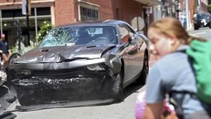 Charlottesville am 12. August 2017. Ein Neonazi ist in eine Gruppe von Demonstranten gerast