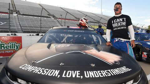 "Nascar-Pilot Bubba Wallace mit ""I can't breathe""-T-Shirt"