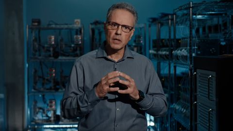 Johny Srouji leitet Apples Hardware-Entwicklungsabteilung. Nun soll er den Umstieg des Mac auf Apple-eigene Prozessoren vorantreiben.