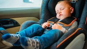 Nur ein guter Sitz schützt ein Kind im Falle eines Unfalls-