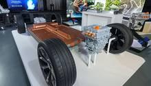 Bei der GM BEV Ultium Plattform lassen sich die Pouchzellen horizontal oder vertikal stapeln