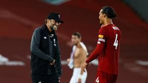 Jürgen Klopp mit Virgil van Dijk vom FC Liverpool