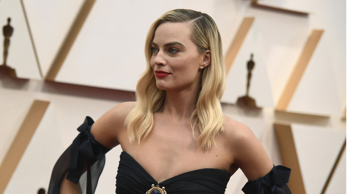 VIP News: Margot Robbie posiert bei der 92. Oscar-Verleihung in Los Angeles