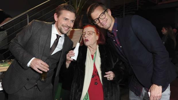 Oma Violetta mit Joko und Klaas