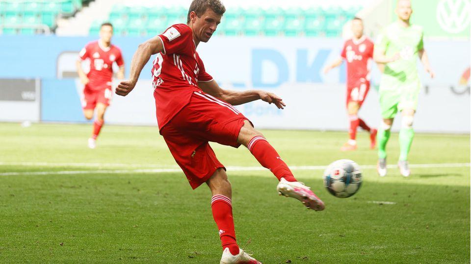 Thomas Müller schießt das 100. Tor der Saison