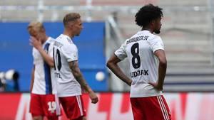 Ratlose HSV-Spieler beim 1:5 gegen Sandhausen