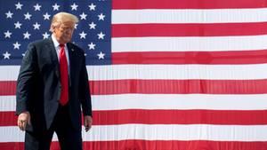 US-Präsident Donald Trump vor der Nationalflagge der USA