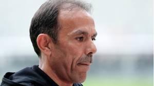 Jos Luhukay wird in der kommenden Saison nicht mehr den FC St. Pauli trainieren