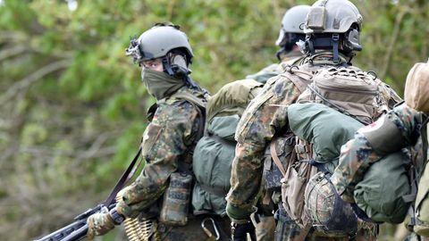 Fallschirmjäger des Kommando Spezialkräfte (KSK)