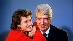 Der niederlŠndische Showmaster Rudi Carrell und seine Tochter Annemieke Kesselaar, aufgenommen im November 1987. [ Rechtehinweis: (c) dpa - Bildarchi
