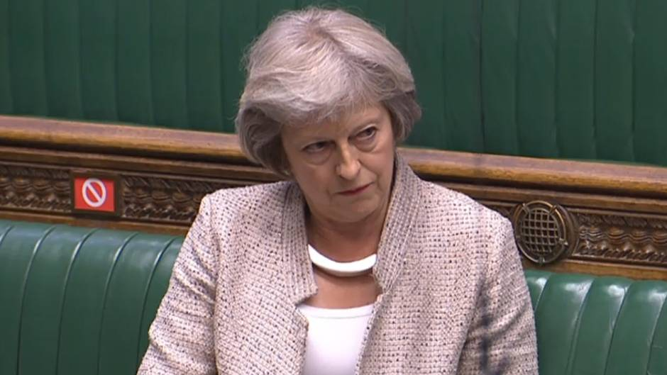 Bei einer Sitzung des britischen Parlaments nimmt Theresa May kein Blatt vor den Mund.