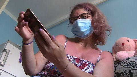 Daniela, eine rumänische ehemalige Tönnies-Mitarbeiterin, macht schwere Vorwürfe gegen die Fleischfabrik.