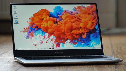Der Rand um den Bildschirm des MagicBook 14 ist vergleichsweise schmal.