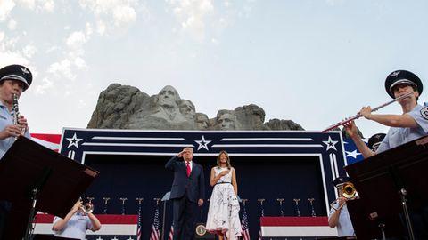 """Unabhängigkeitstag: Trumps düstere Botschaft: Eine """"gnadenlose Kampagne zur Auslöschung unserer Geschichte"""""""