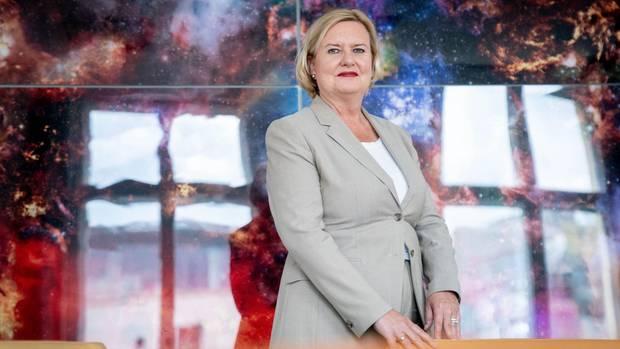 Die neue Wehrbeauftragte Eva Högl will im kommenden Jahr über die Wiedereinführung der Wehrpflicht diskutieren