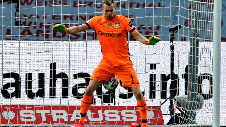 Leverkusens Torhüter Hradecky patzt zum 0:3