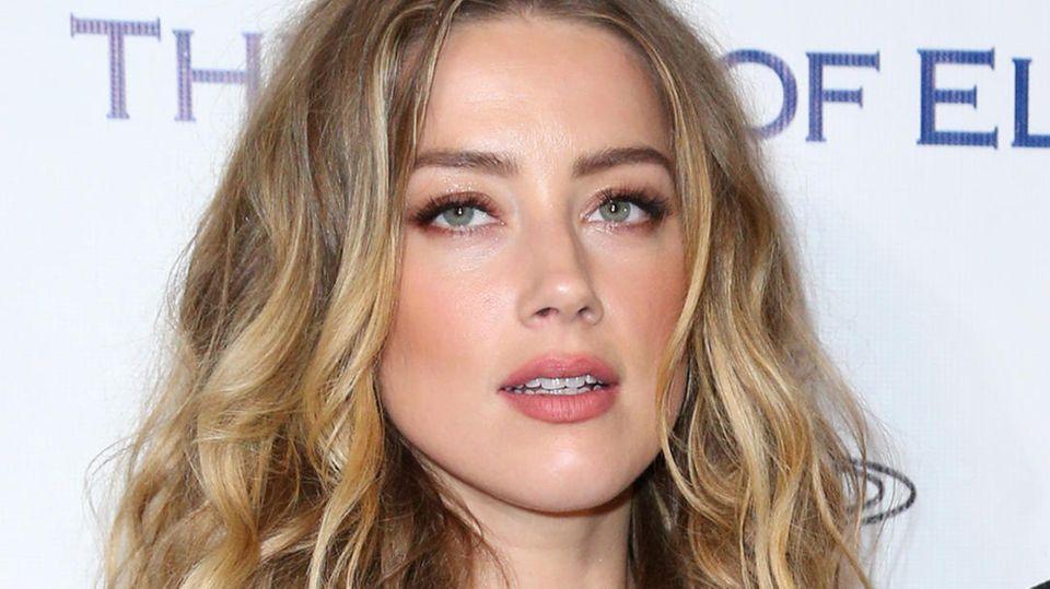 Wer hat hier wen geschlagen? : Szenen einer Horror-Ehe: Johnny Depp und Amber Heard liefern sich neue Schlammschlacht