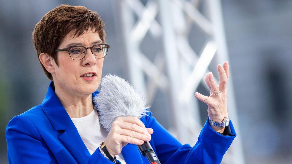 Annegret Kramp-Karrenbauer, CDU-Parteivorsitzende und Bundesverteidigungsministerin, im ARD-Sommerinterview