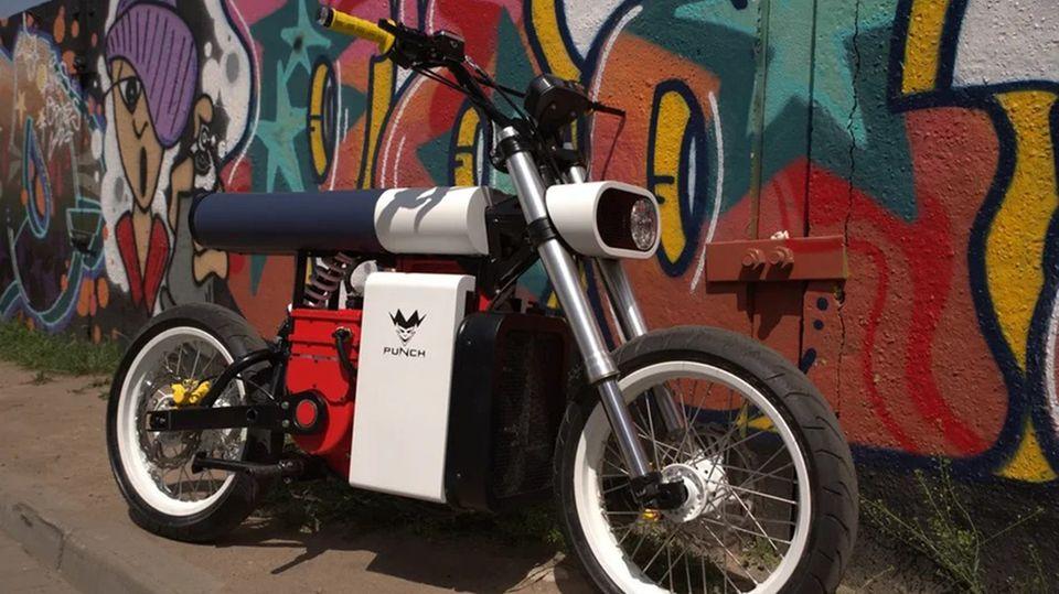 Das Punch Moto nimmt die Ästhetik der Avantgarde auf.