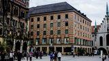 Das Kaufhaus Ludwig Beck ist in München so zentral gelegen, wie es nur geht. Direkt am Marienplatz findet man in diesem Kaufhaus Beautyprodukte, Mode oder Geschenkartikel. Auch das Kaufhaus Ludwig Beck kann auf eine lange Tradition zurückblicken. Im Jahr 1861 wurde die Knopfmacher- und Posamentier-Werkstätte mit vier Gesellen und einem Lehrling gegründet.
