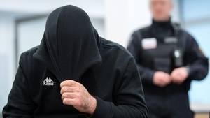 Ein IS-Angeklagter vor dem Oberlandesgericht in Dresden