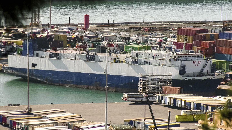 """Dieses Bild, das aus einem Video stammt, zeigt das Frachtschiff """"bana"""" unter libanesischer Flagge im Hafen von Genua. Behörden in Norditalien verhafteten den Kapitän wegen des Verdachts des internationalen Waffenhandels im Februar 2020."""