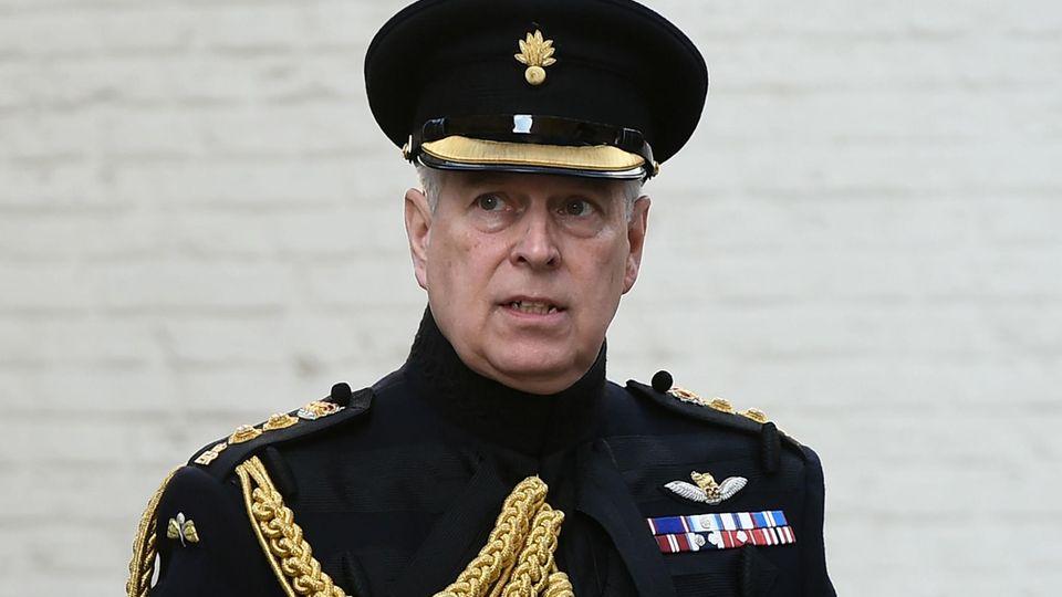 Missbrauchsskandal Jeffrey Epstein: Warum die Verhaftung von Ghislaine Maxwell Prinz Andrew endgültig zum Ausgestoßenen macht