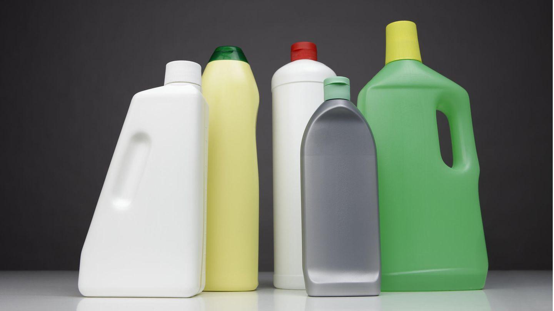 Bleichmittel wird normalerweise zum Putzen oder als Waschmittel eingesetzt