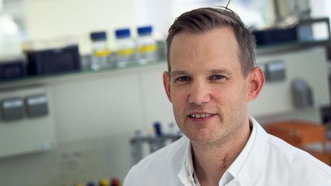 Hendrik Streeck, Direktor des Institut für Virologie an der Uniklinik in Bonn