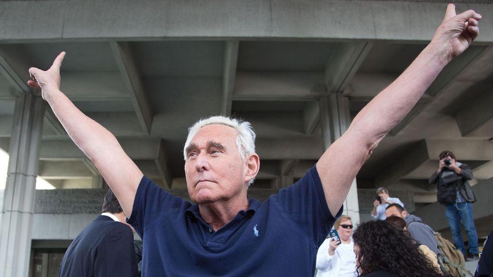 Roger Stone war zu einer Haftstrafe von40 Monaten verurteilt worden– und ist jetzt ein freier Mann