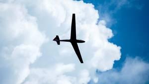 Ein Segelflugzeug im Flug (Archivfoto)