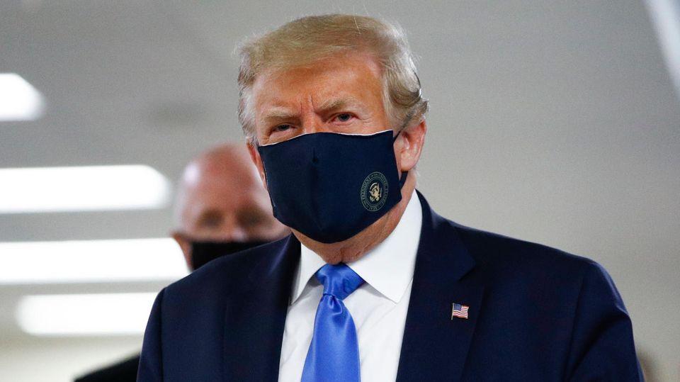 Pandemie: Einer der wenigen Bilder von Donald Trump mit Maske