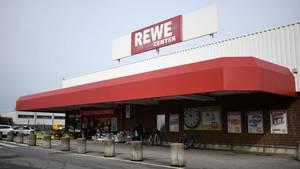 Das betroffene Wildschweinefleisch des Herstellers Jagdhaus Rech Markus Bitzen e.K. wurde unter anderem in Rewe-Filialen vertrieben