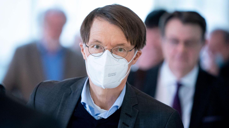 Karl Lauterbach (SPD) fordert eine Testpflicht für Flugpassagiere, die von Mallorcanach Deutschland zurückkehren