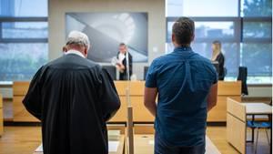 Nachrichten aus Deutschland – 21-Jähriger gesteht Schuss auf Polizeischüler