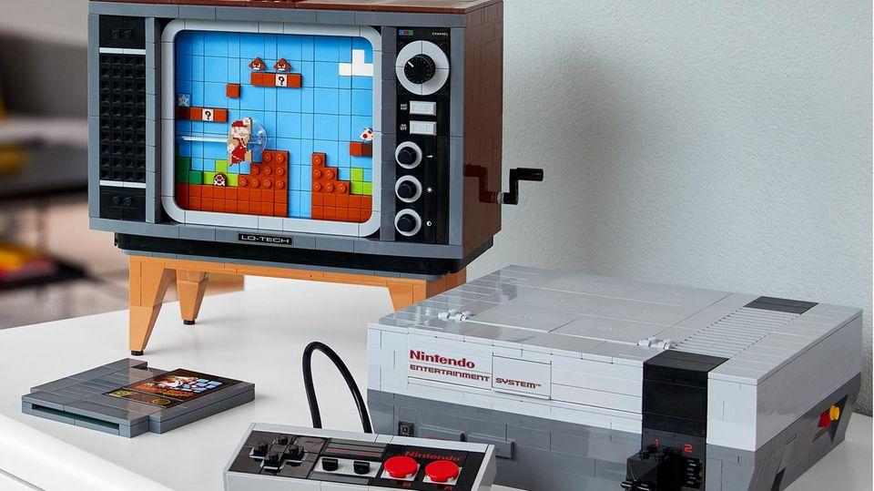 Das Lego-NES-Set punktet mit einem kleinen Röhrenfernseher zum Nachbauen