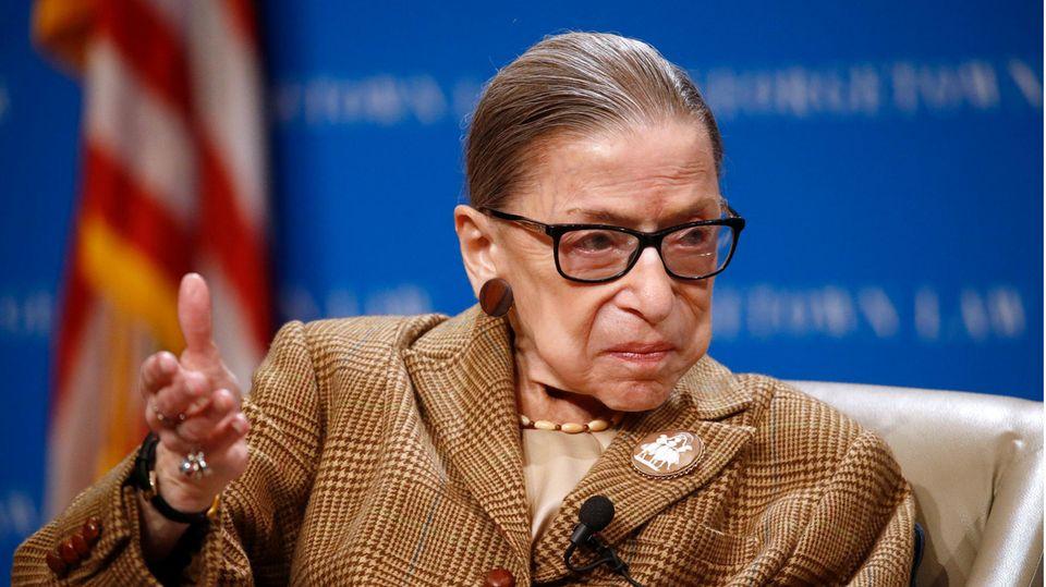 Ruth Bader Ginsburg ist erneut ins Krankenhaus eingeliefert worden.Viele Liberale feiern sie als Ikone.