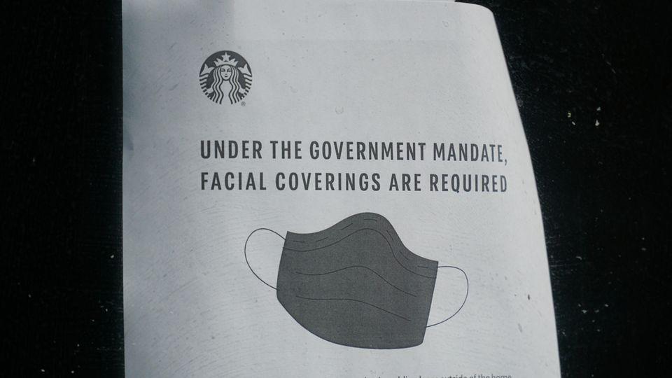 In New York schreibt der Staat auch für Starbucks-Kunden das Tragen von Masken vor
