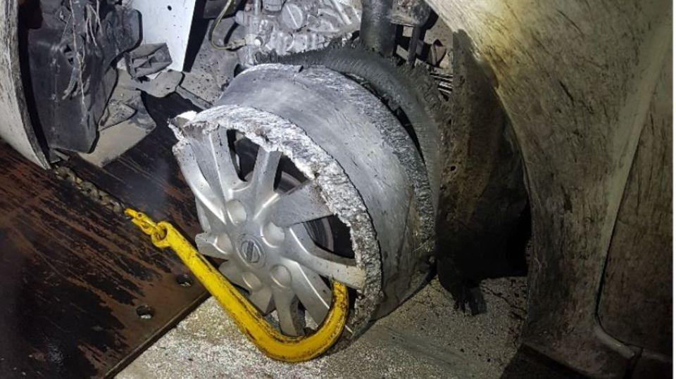 Australien: Betrunkener Mann fährt Auto auf blanker Felge