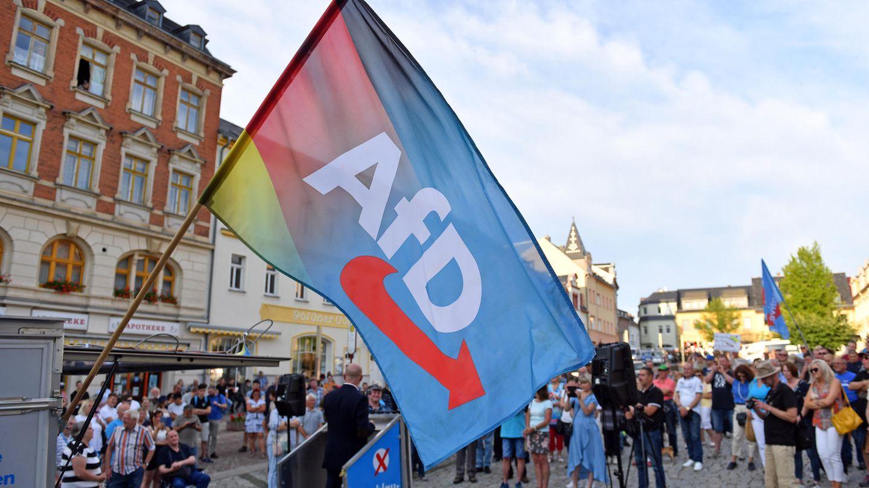 Andreas Kalbitz, AfD-Politiker aus Brandenurg, spricht auf einer Kundgebung der AfD