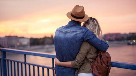 Beziehungsprobleme : Sie verliebte sich in einen beziehungsunfähigen Mann – so rettete ein Date-Doktor ihre Liebe
