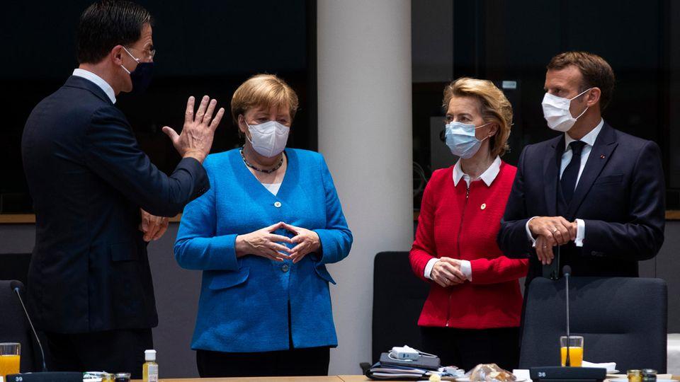 Mark Rutte, Angela Merkel, Ursula von der Leyen und Emmanuel Macron beim EU-Gipfel