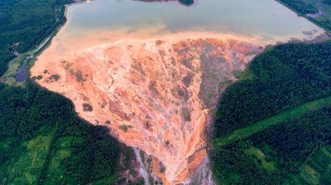 Zwei Wochen nach Grubenunglück in Chile: Verschüttete Bergleute leben