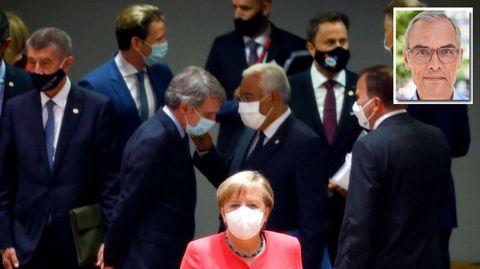 EU-Gipfel - jeder spricht mit jedem, Angela Merkel hell im Vordergrund