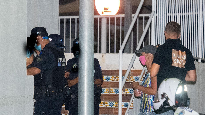 Mallorca: Sängerin Krümel und Ehemann Daniel im Gespräch mit der Polizei