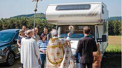 Jährliche Fahrzeugweihe in Maria Vesperbild (Bayern)