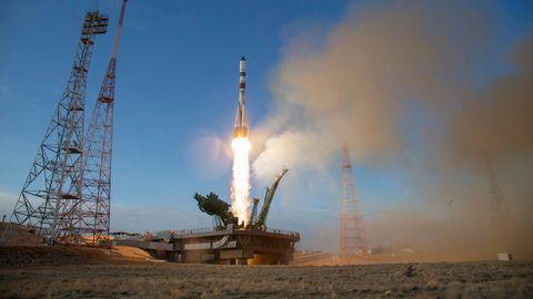 Eine Sojus-Rakete startet von der Startrampe vom Kosmodrom Baikonur