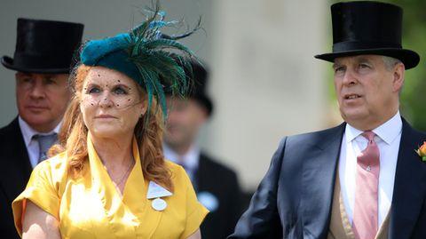 Fergie mit ihrem Ex-Ehemann Prince Andrew bei dem Pferderennen in Ascot 2019.